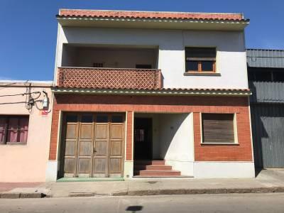 Cómoda casa de tres dormitorios en el centro de San Carlos