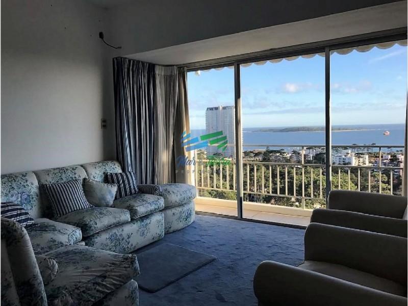 En venta.. piso alto.. espectacular vista al mar!!!