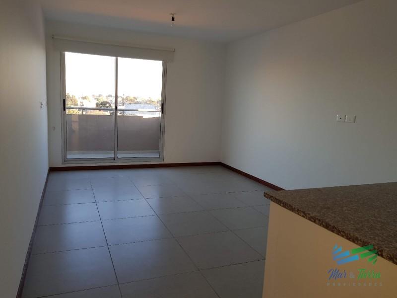 Se vende apartamento a estrenar de 2 dormitorios en Maldonado.