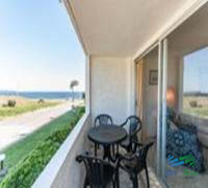 Imperdible... apartamento con espectacular vista al mar