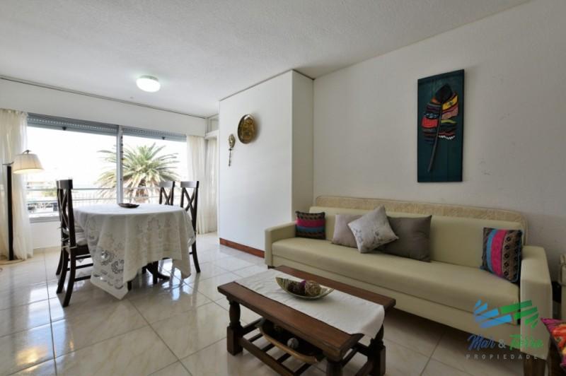 Lindo apartamento en venta en Peninsula, Punta del Este