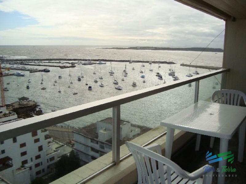 Vendo apartamento 3 dormitorios con vista al Puerto en Peninsula, Punta del Este.