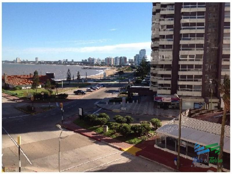 Apartamento en Punta del Este, Peninsula | Mar y Tierra Ref:1046