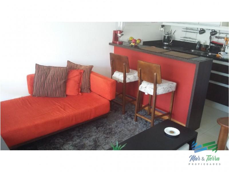 APARTAMENTO EN VENTA!  Muy lindo apartamento en zona Aidy Grill, a 4 cuadras del mar!