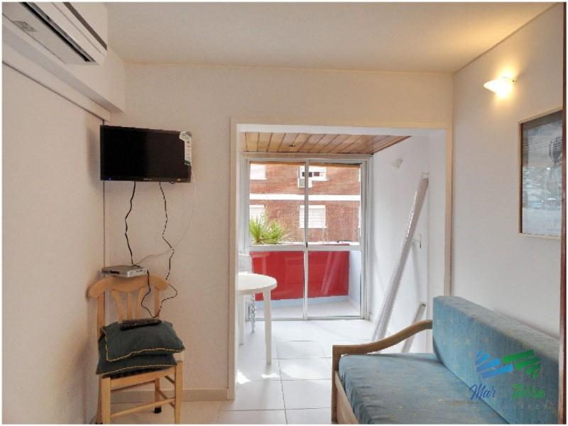 Muy lindo Apartamento en torre con muy buenos servicios a pocos metros del mar!