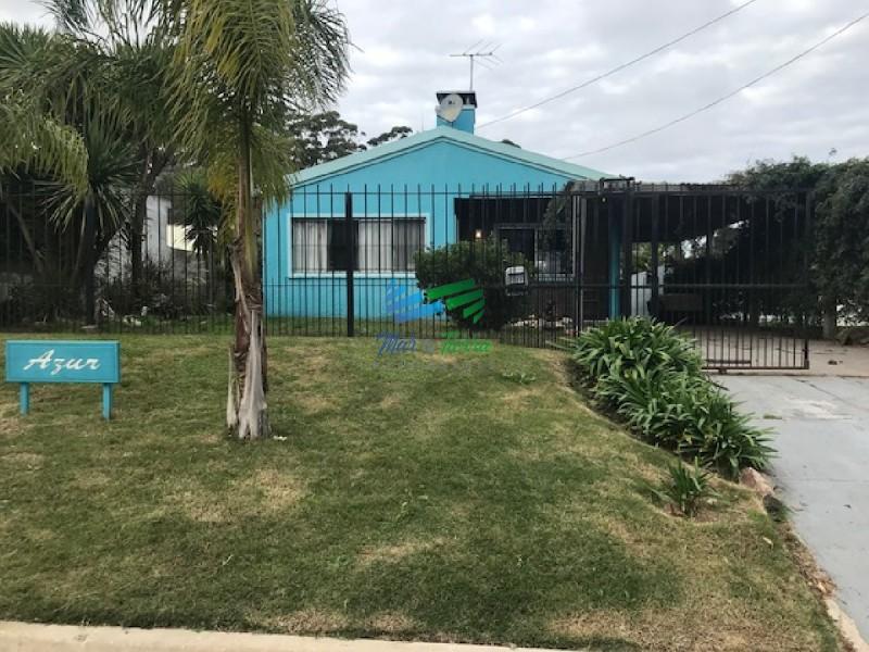 Muy linda casa en un barrio con buen entorno en Maldonado.