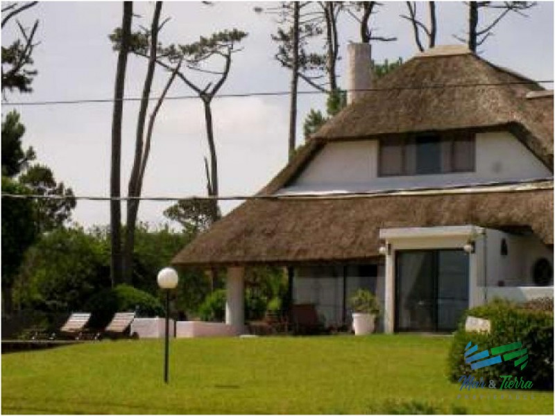 Casa en Pinares, 5 dormitorios *
