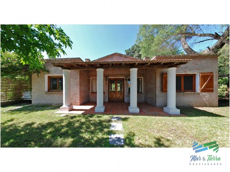 Casa de 2 dormitorios en alquiler en Rincon del Indio, Punta del Este