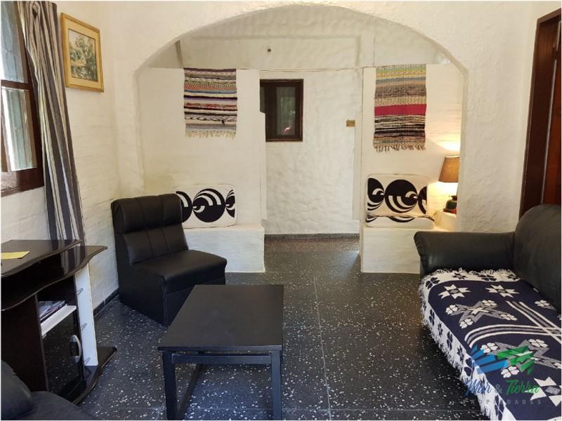 Muy linda casa.. ideal para vacacionar y/ o vivir todo el año.. En el Tesoro