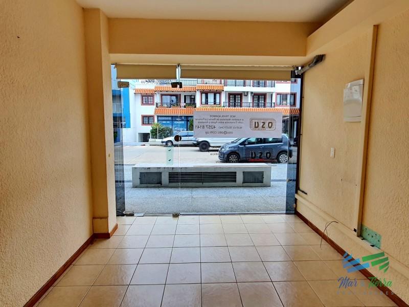 ALQUILO LOCAL A LA CALLE 2 HABITACIONES, COCINA Y BAÑO, Peninsula, Punta del Este