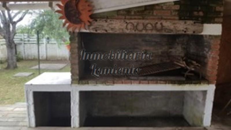 Casa Ref.626 - Venta/alquiler anual casa 4 dormitorios en Balneario Buenos Aires