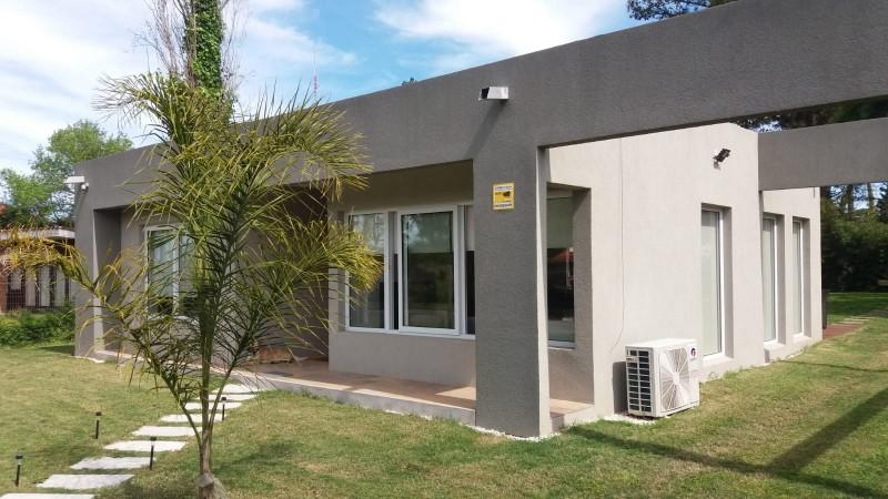 Casa Moderna - Barrio Cantegril