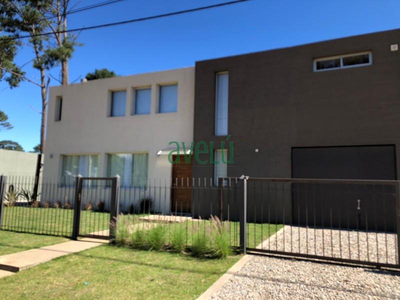 Hermosa propiedad en zona residencial,  inmejorable zona paradis�aca para vivir todo el a�o. Consulte!! - Ref: 1306.1