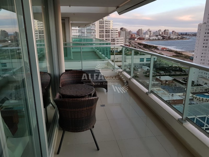 Apartamento ID.2166 - Mansa, excelente vista al mar !