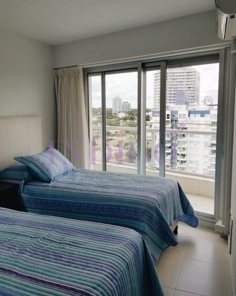 Apartamento Ref.410 - Excelente oportunidad en venta en Edificio con todos los servicios.