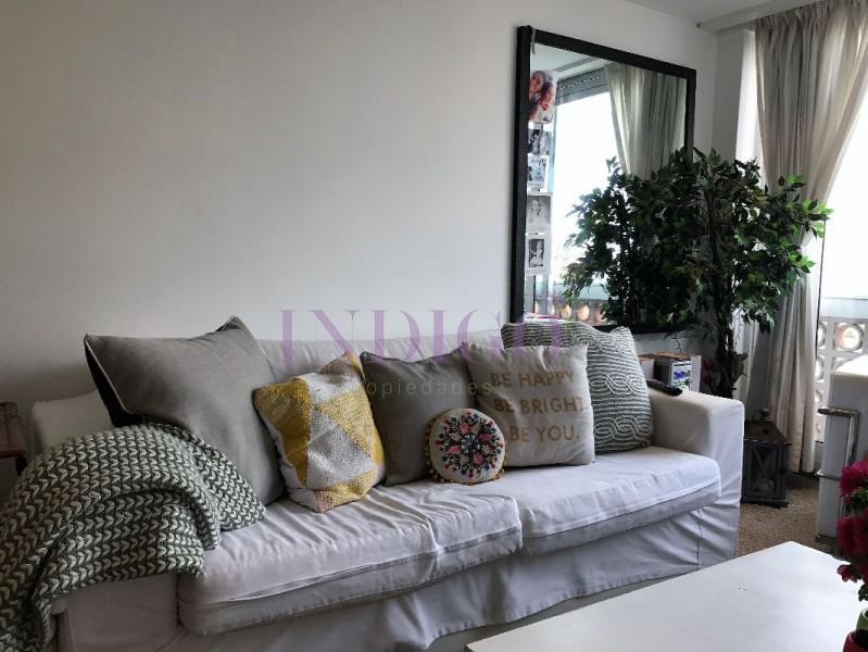 Apartamento Ref.141 - Muy lindo departamento en alquiler  frente al agua en plena playa  Mansa, 2 dormitorios .