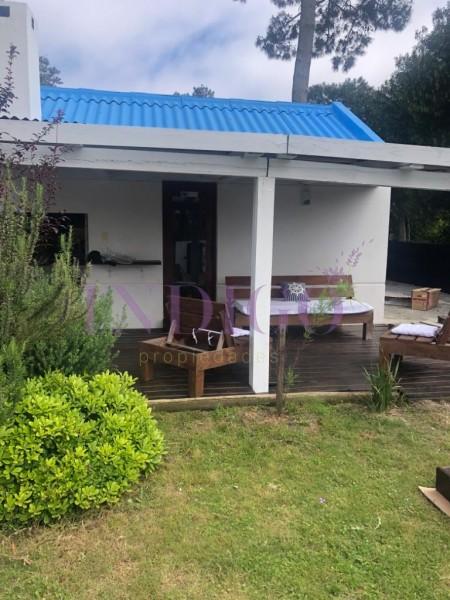 Casa Ref.485 - En alquiler 5 dormitorios en Montoya con pileta,  oportunidad.