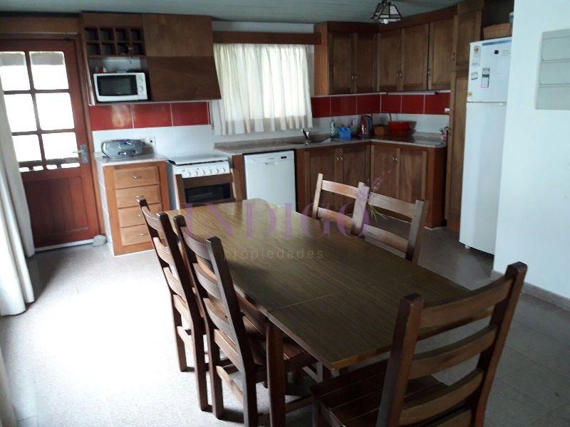 Casa Ref.186 - Casa en Manantiales en alquiler  4 dormitorios .