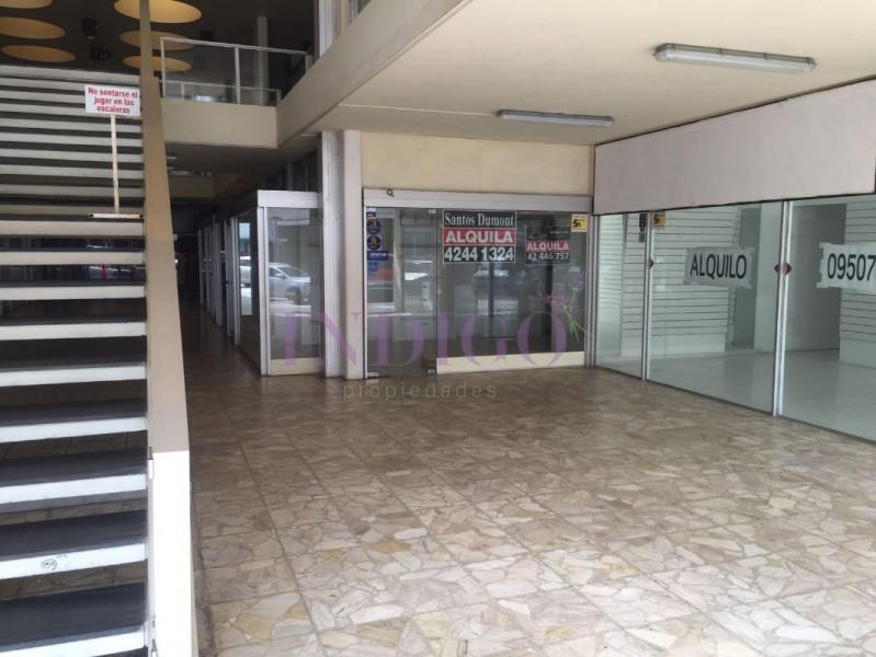Local Comercial Ref.270 - Local en venta en plena Avenida Gorlero.