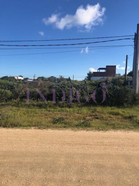 Terreno Ref.402 - Terreno con excelente ubicación y muy buen entorno!!!!!!