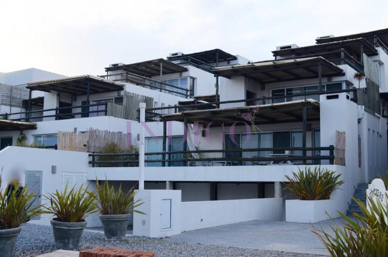 Apartamento Ref.160 - Oportunidad de departamento en alquiler frente al mar en la Mansa, 1 dormitorio.