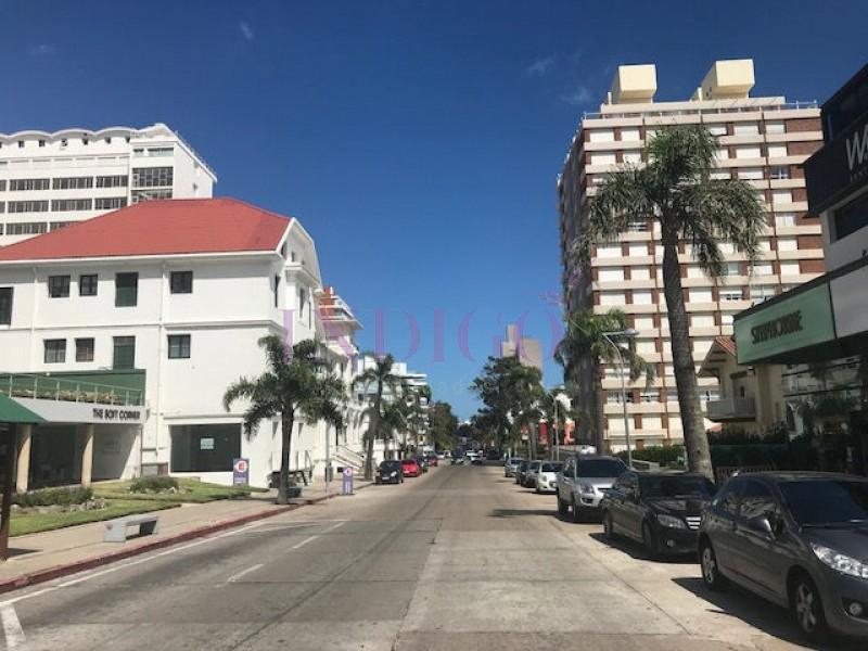 Apartamento Ref.226 - Departamento en venta en Península, Monoambiente .