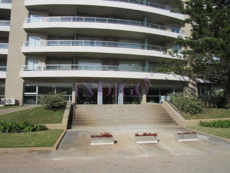 Apartamento Ref.2 - Departamento en venta y alquiler a mts de Avenida Roosevelt.