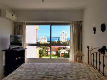 OPORTUNIDAD balcón terraza con hermosa vista a Playa Mansa y brava. Consulte!!!