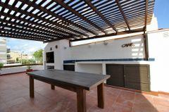 Apartamento en Peninsula en muy buena ubicacion, de 2 dor, 2 baños, Garaje y amplia terraza con churrasquero. Consulte!!!!!!
