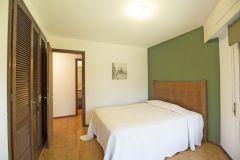 Apto en la Roosevelt  de 3 Dormitorios, 2 Baños, 1 Toilette, Living comedor, Balcón, Terraza, Cocina, Servicio con baño. Consulte!!!!