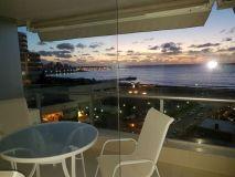 Apartamento de 2 dormitorios en suite, toilete, Lindo living-comedor amplio, terraza con vista a la bahia y puerto y garaje. Consulte !!!!!!