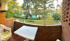 Apartamento en muy buena ubicacio en Arcobaleno , de 2 dor, 2 baños y balcon. Consulte!!!!!!