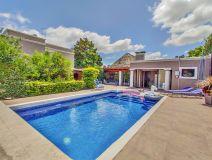 Casa en Altos del Pinar - a 800 metros del mar. Consulte!!!!!!