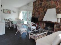 Encantadora casa a metros de Av Roosevelt en nuevo cantegril! consulte