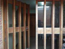 Casa de 5 dormitorios y deposito. En muy buena ubicacion cerca de Roosevelt y Sanatorio. Consulte!!!!!!!