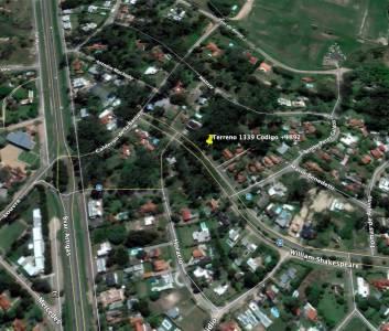Terreno dse 1339 m2  en Jardines de Córdoba - sobre Avenida. Consulte!!!!!