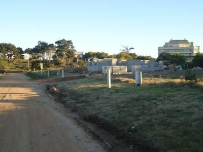 Se venden 2 terrenos pegados cada uno de casi 650 m2 cada uno en Piedras del Chileno - Consulte !!!!