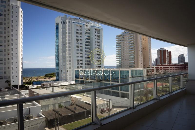 Apartamento ID.4 - Apartamento en venta Season tower Punta del Este