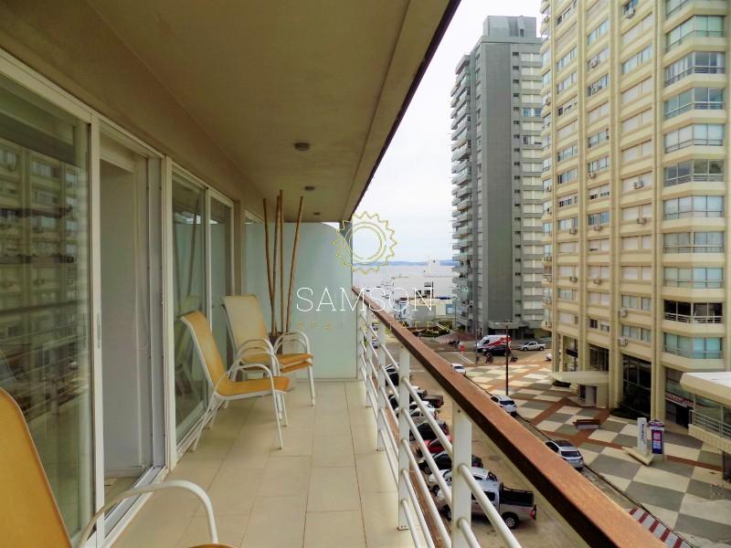 Apartamento ID.17 - Penthouse en venta con vista en Punta del Este