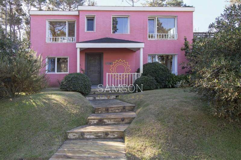 Casa ID.74 - Laguna Blanca Casa de 4 dormitorio en venta Manantiales Punta del Este