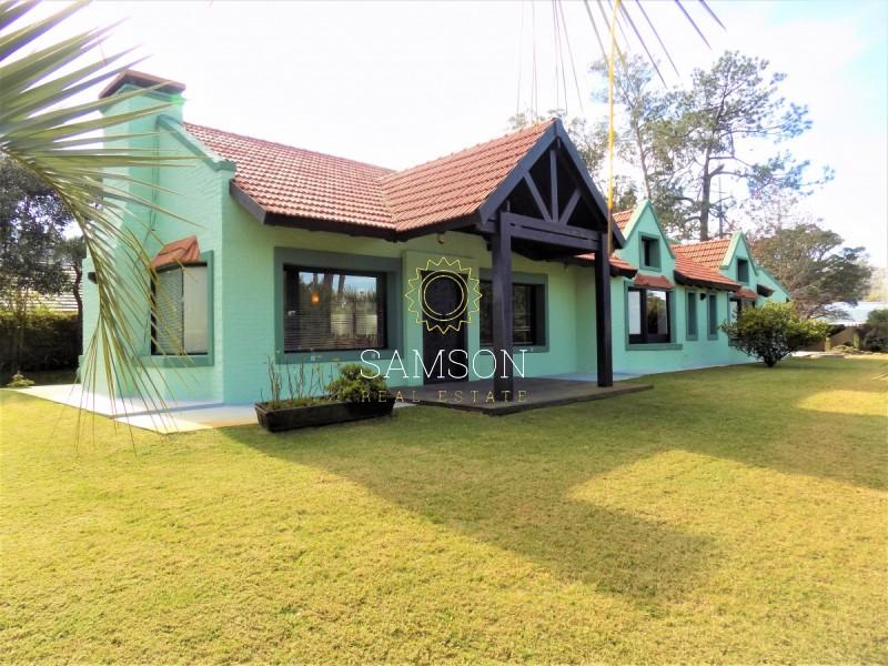 Casa ID.42 - Casa en venta con piscina en Punta del Este