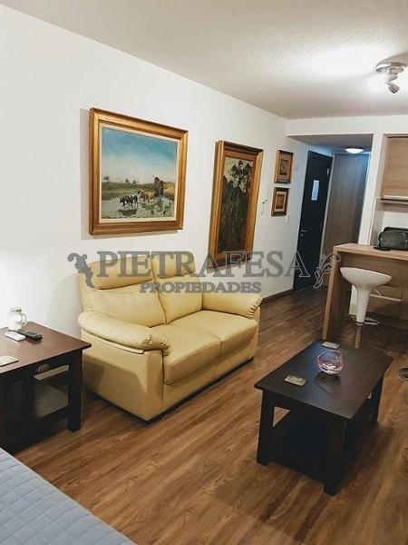 Apartamento ID.493 - 26 DE MARZO ESQ. BUXAREO AMUEBLADO