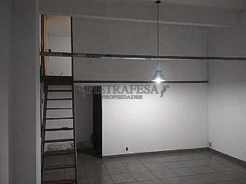 Local Comercial ID.601 - AV. URUGUAY ESQ. GERMAN BARBATO