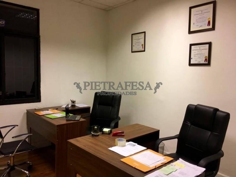 Local Comercial ID.613 - MISIONES ESQ. PIEDRAS