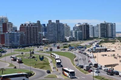 Apartamento en venta en Avenida Juan Gorlero, Maldonado