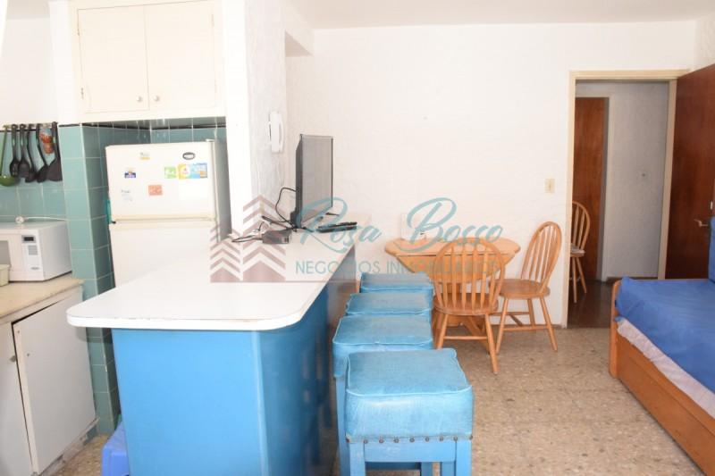 Apartamento ID.2363 - Departamento en Península, sobre Av Gorleor