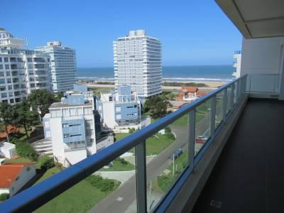 2 dormitorios en Wind Tower a 80 metros de Playa Brava.