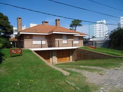 Casa en Aidy Grill, 3 dormitorios *