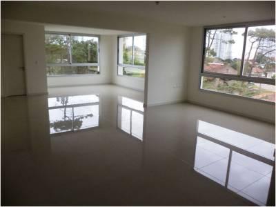 Oficina en venta en Punta del Este - Ubicado sobre Avenida Italia en zona de Design District