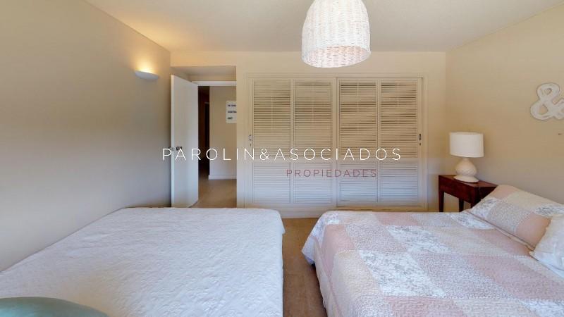 Apartamento ID.900 - Venta Apartamento 3 DORMITORIOS en la MANSA, Punta del Este.